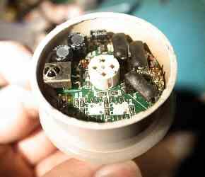 変色LED不良の原因コンデンサを交換