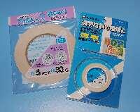 プラスティックベースの両面テープ